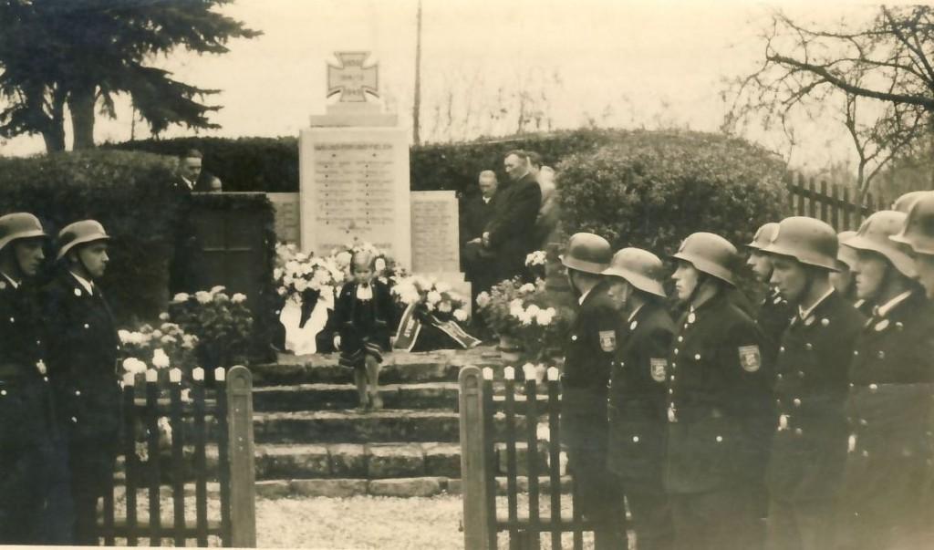 Einweihung Kriegerdenkmal3 1955_56